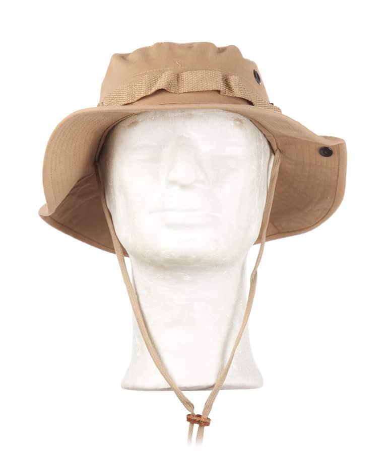 """US Boonie Hattu Khaki, leveälierinen malli, tunnetaan myös nimellä """"kalastajanhattu"""", nepparit hatun sivuilla joilla voi kiinnittää reunan ylös, sopii kuumiin keleihin ja etelänmatkoille"""