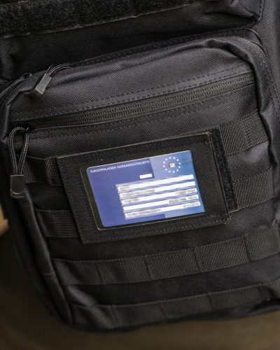 Ikkunallinen Velcro ID Kotelo Musta